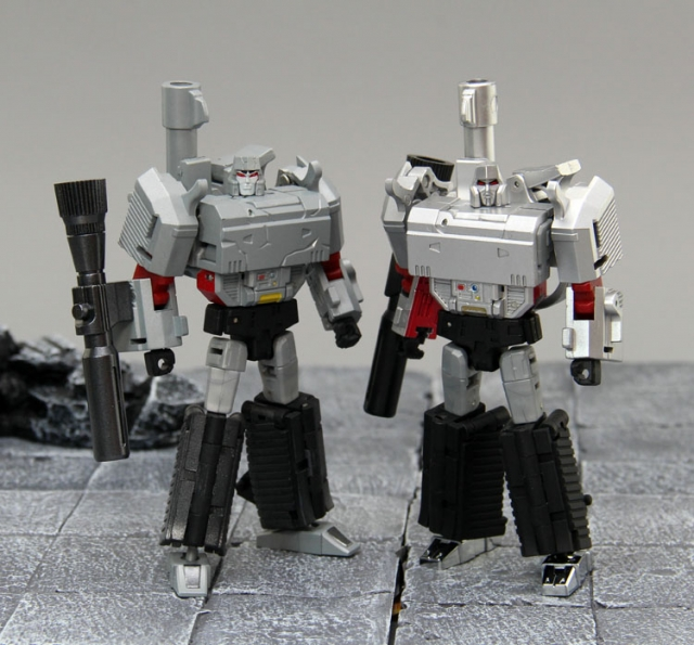 DX9 toys War In Pocket X13D Mightron battle damaged in Stock