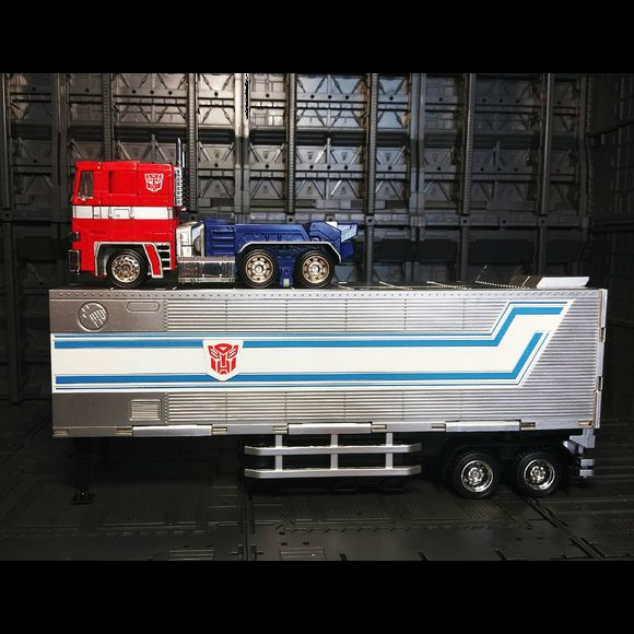 KuBianBao (KBB) MP10V downscaled KO Optimus Prime (cab + trailer)